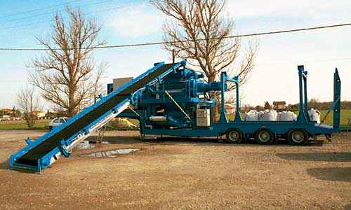 Used mobile tire shredder by Precimeca for sale in Toulouse, France